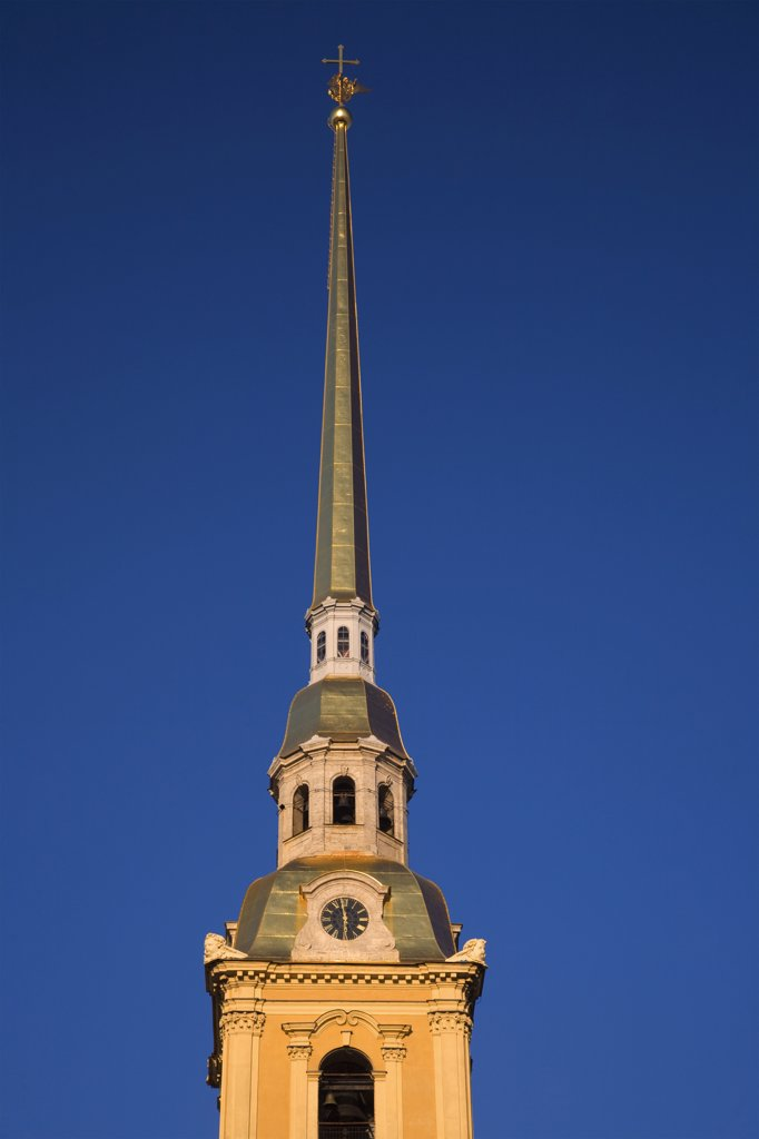 Stock Photo: 4272-27163 Russia, St.Petersburg; the golden pointed bell tower of the St.Peter and St.Paul's Cathedral.