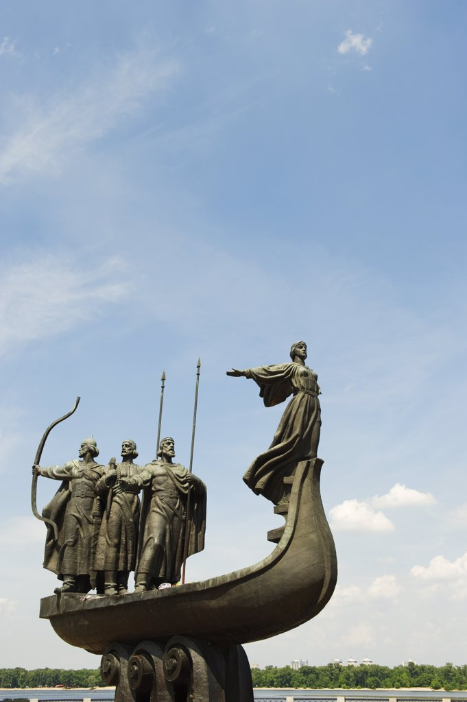 Stock Photo: 4272-33809 Ukraine, Kiev, Foundation of Kiev monument