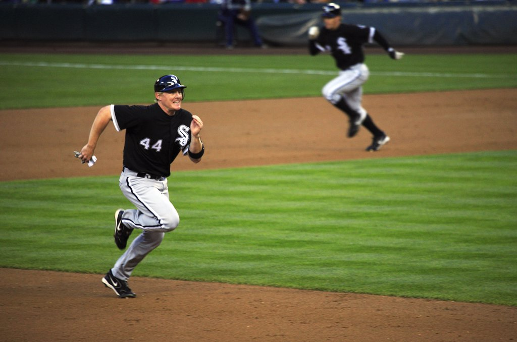 United States of America, Washington, Seattle, Chicago White Sox, Brian Nikola Anderson, make a run from second base to third base in Safeco Field. : Stock Photo