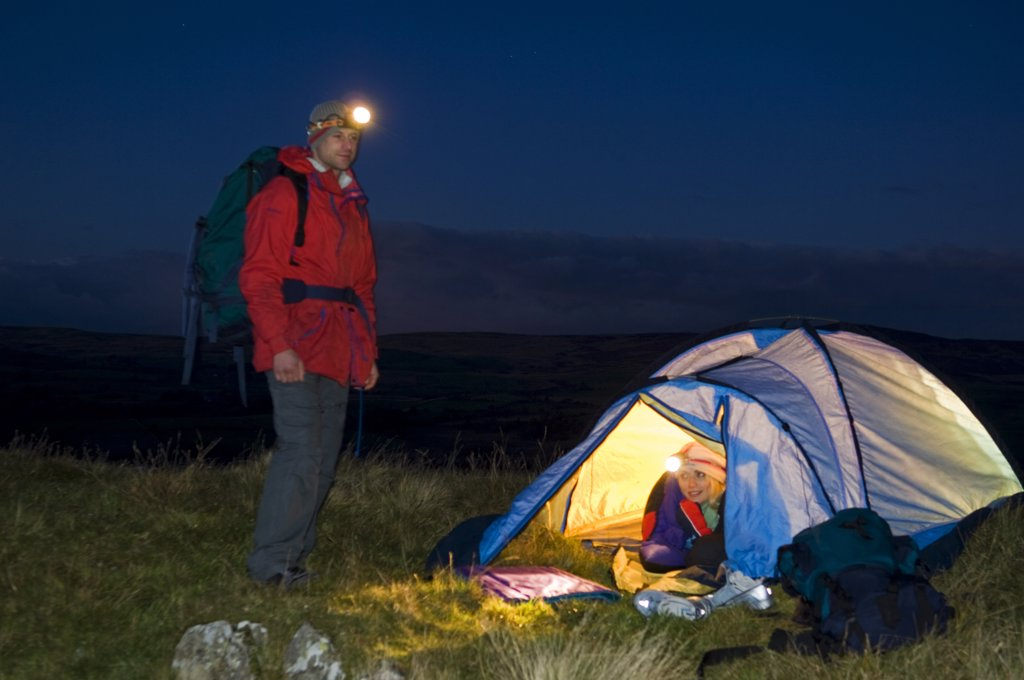 Gilar Farm, Snowdonia, North Wales.  Man and woman camping . (MR) : Stock Photo