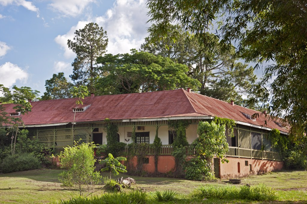 A derelict old building, once a hotel, in the Iguazu National Park, a World Heritage Site. : Stock Photo
