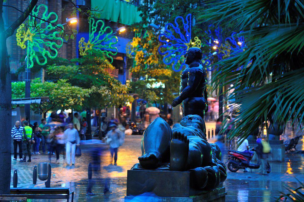 Stock Photo: 4272-40228 Plaza Botero at night, Medellin, Colombia, South America