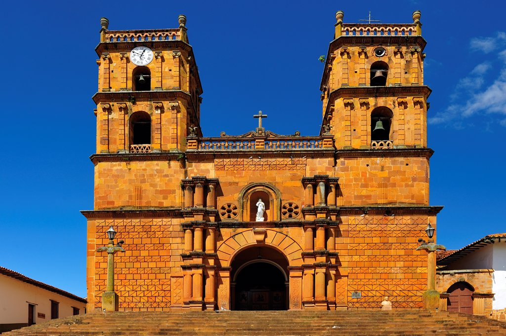 Stock Photo: 4272-40240 Templo, Colonial Town of Barichara, Colombia, South America