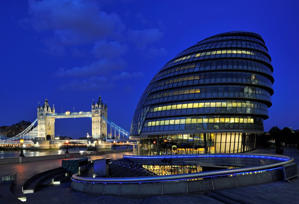 Stock Photo: 4272-40347 Europe, England, London, City Hall and Tower Bridge