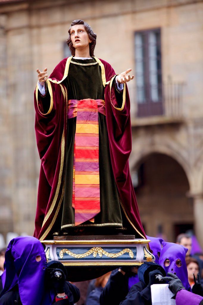 Stock Photo: 4272-42706 Santiago de Compostela, Galicia, Northern Spain, Nazarenos carrying statues during Semana Santa processions