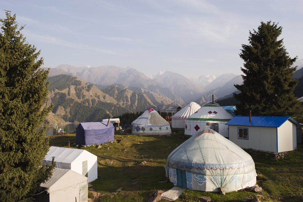 Stock Photo: 4272-5357 China, Xinjiang Province, nomadic tents, Tian chi Heaven Lake