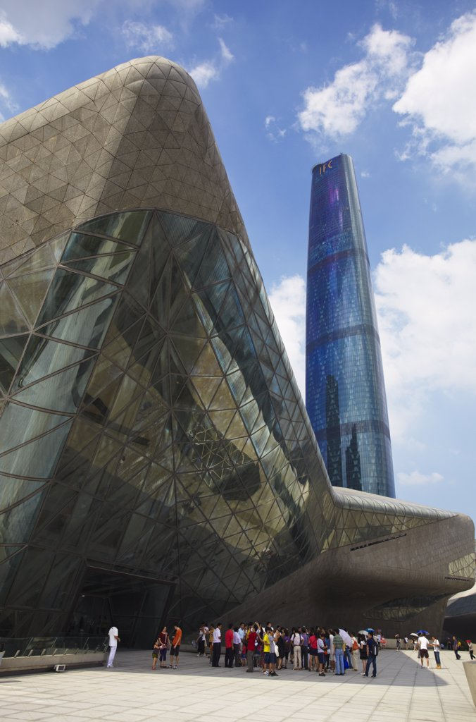 Stock Photo: 4272-6622 Opera House and International Finance Centre (IFC), Zhujiang New Town area, Guangzhou, Guangdong, China
