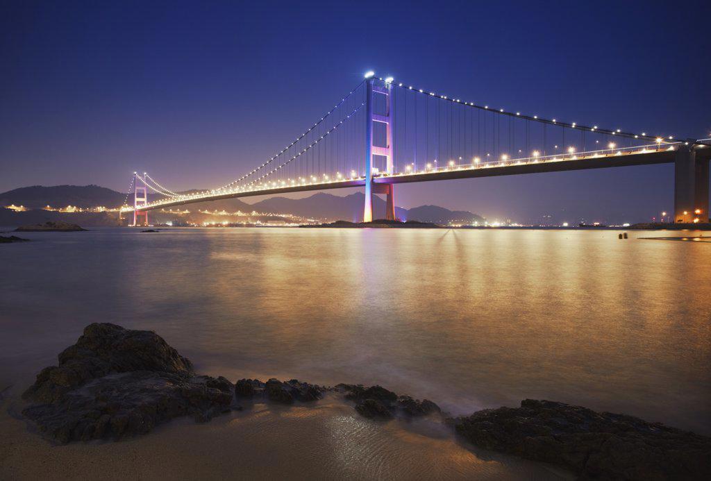 Tsing Ma bridge at dusk, Ma Wan, Hong Kong, China : Stock Photo