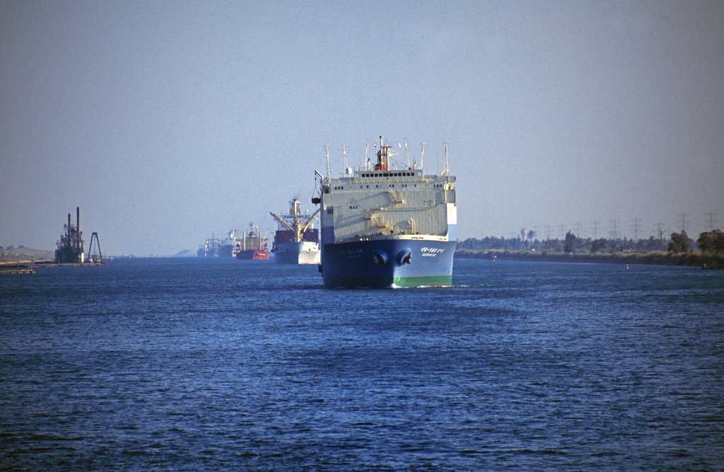 Stock Photo: 4272-7463 Northbound ship convoy in the Suez Canal.