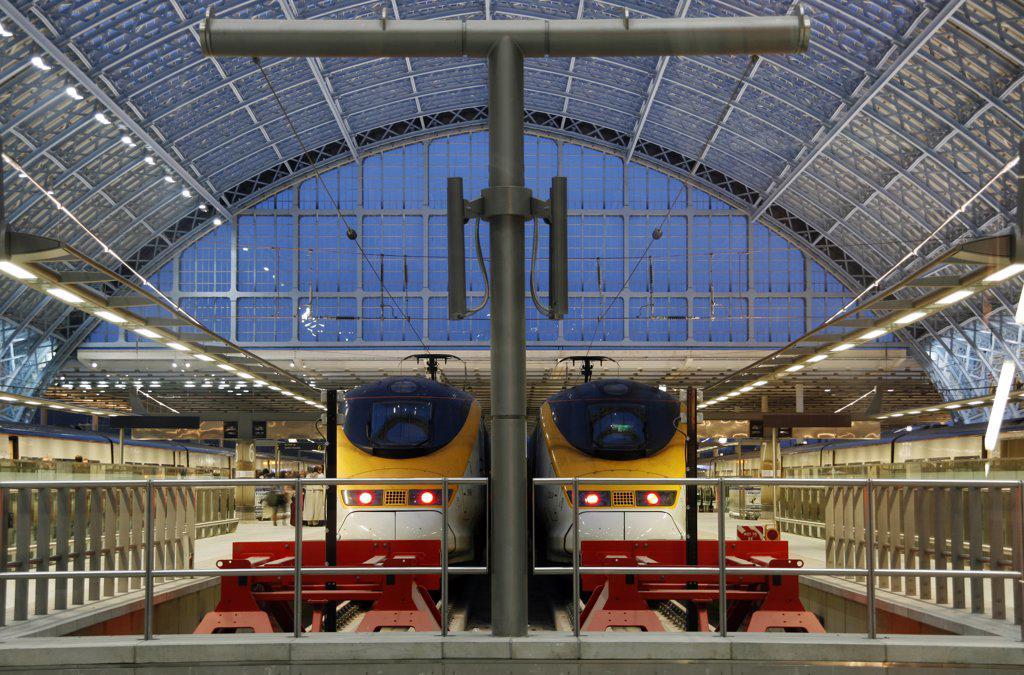 Stock Photo: 4272-8879 England, London,St. Pancras. St. Pancras International railway station.