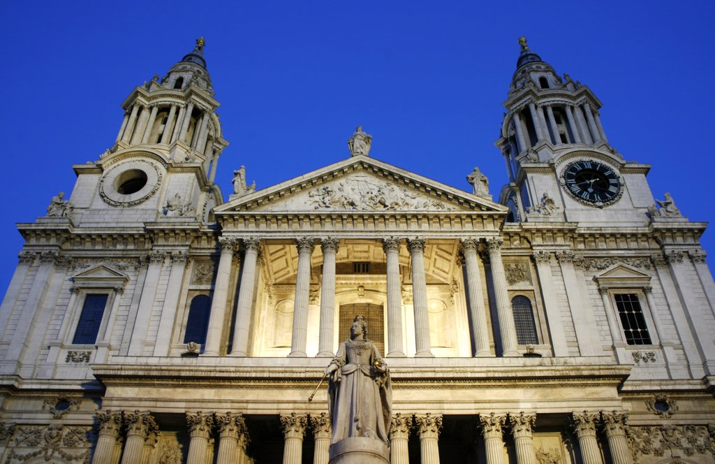 England, London. London St. Paul's Cathedral at dusk. : Stock Photo