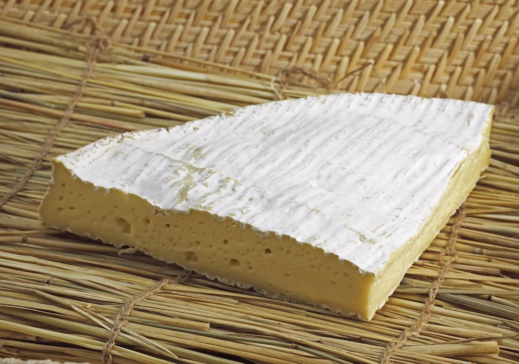 Stock Photo: 4273-17770 Brie de Meaux, French Cheese made with Cow Milk