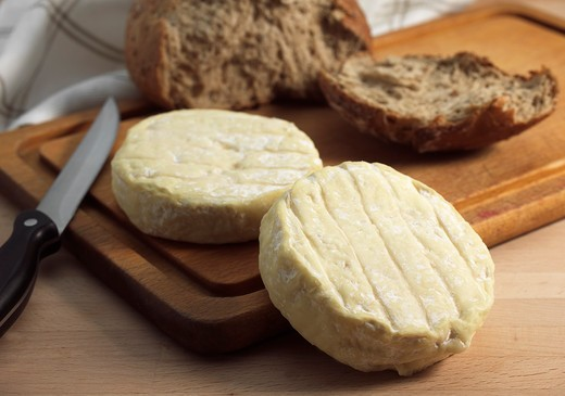 Stock Photo: 4273-6038 Bread With French Cheese Called Saint Marcellin Produced From Cow'S Milk