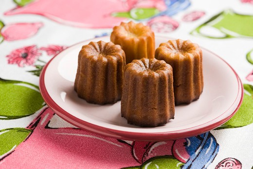Canneles de Bordeaux : Stock Photo