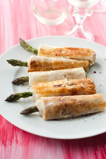 Stock Photo: 4277-1173 Asparagus wraps