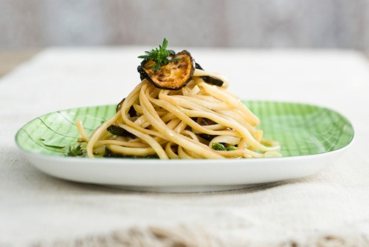 Stock Photo: 4277-1290 Linguini with marinated summer squash