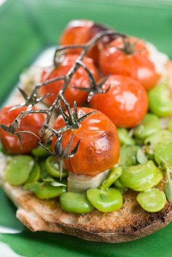 Stock Photo: 4277-1809 Toast with spring vegetables