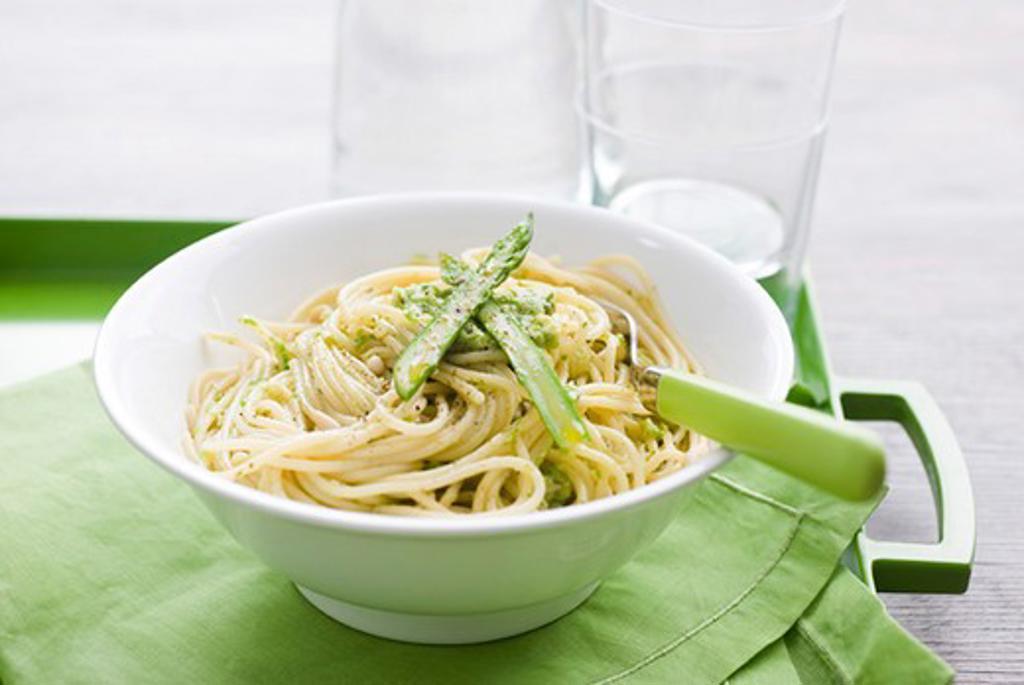 Stock Photo: 4277-1965 Spaghetti with asparagus pesto