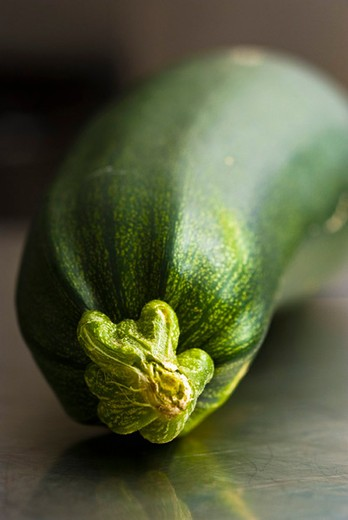 Stock Photo: 4277-2150 Zucchini, close-up