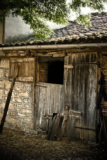 Stock Photo: 4277-2174 Dilapidated outbuilding