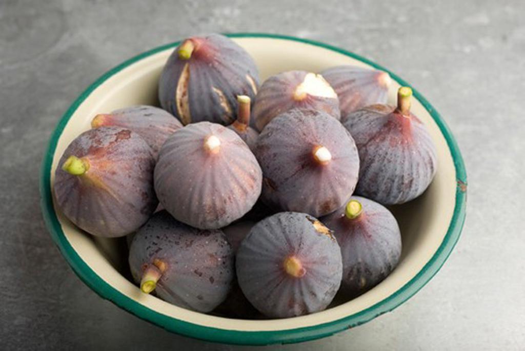 Stock Photo: 4277-2328 Fresh figs