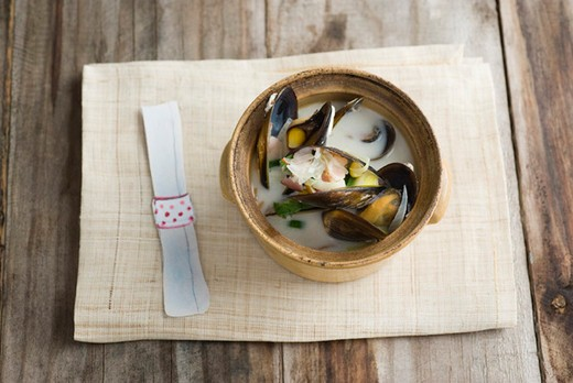 Stock Photo: 4277-2989 Sweetcorn and mussel chowder