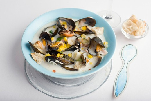 Sweetcorn and mussel chowder : Stock Photo