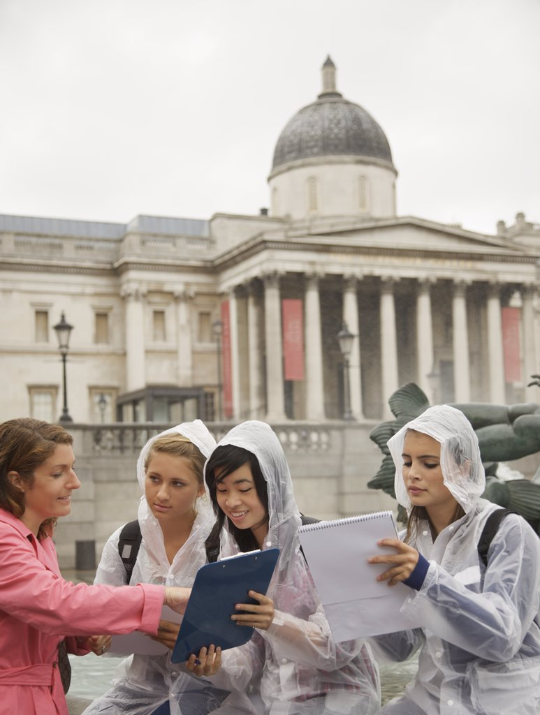 Stock Photo: 4278-3925 Teacher and Students in Trafalgar Square, London, England