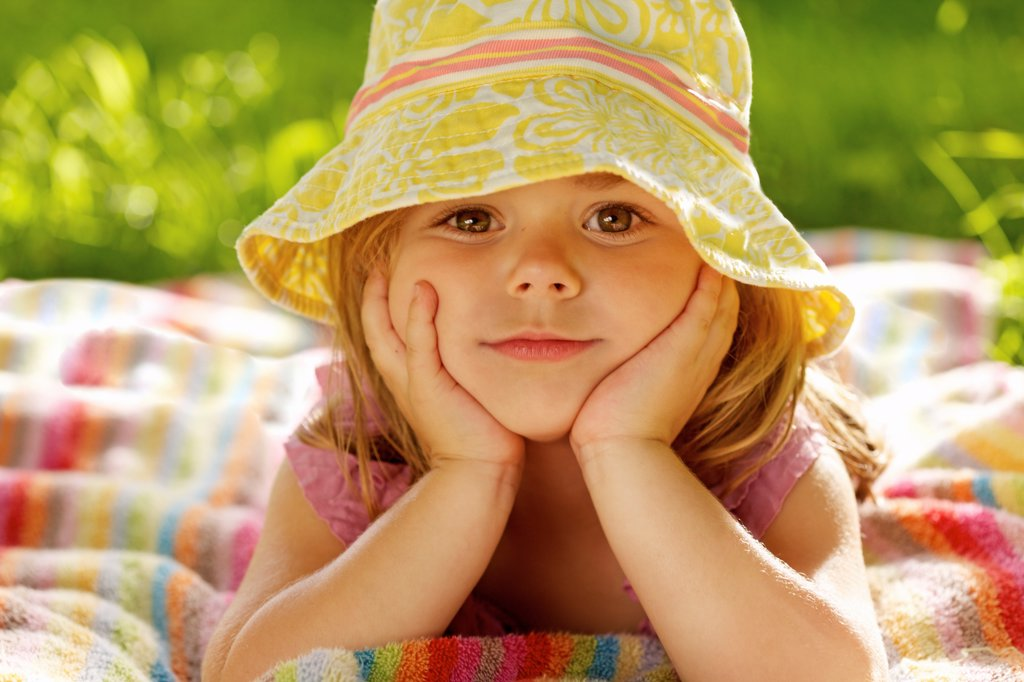 Stock Photo: 4278-9972 Young Girl Wearing Floppy Hat