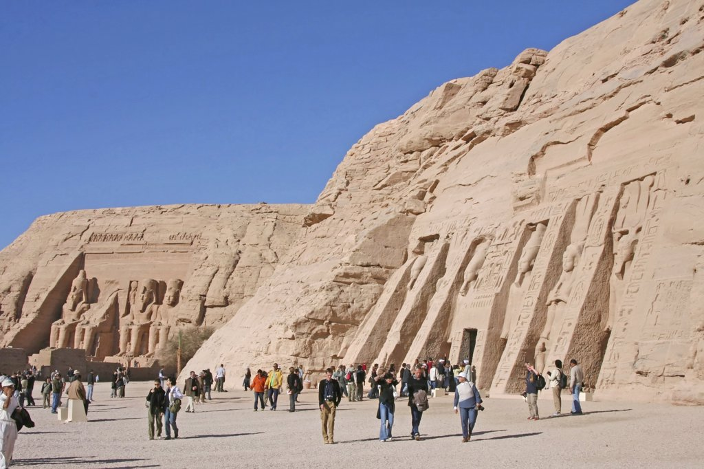 Egypt, Abu Simbel - tourists in front of temples : Stock Photo
