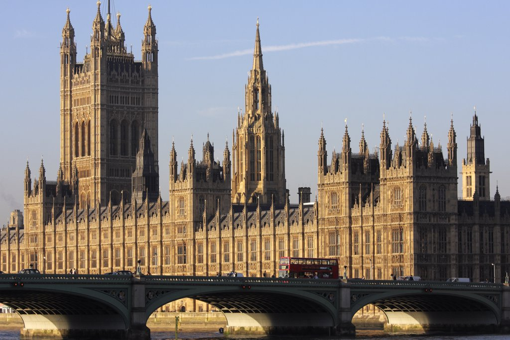 England, London, Westminster. The Palace of Westminster on an autumn morning. : Stock Photo