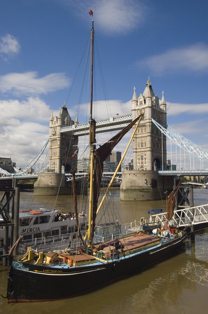 Stock Photo: 4282-13164 England, London, Tower Bridge. Tower Bridge over the River Thames connecting the City of London to Bermondsey on the south side.