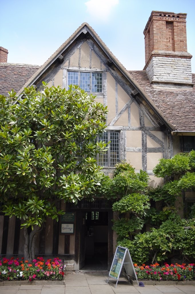 Stock Photo: 4282-1373 England, Warwickshire, Stratford-upon-Avon. Hall's Croft, once the home of Shakespeare's daughter Susanna.