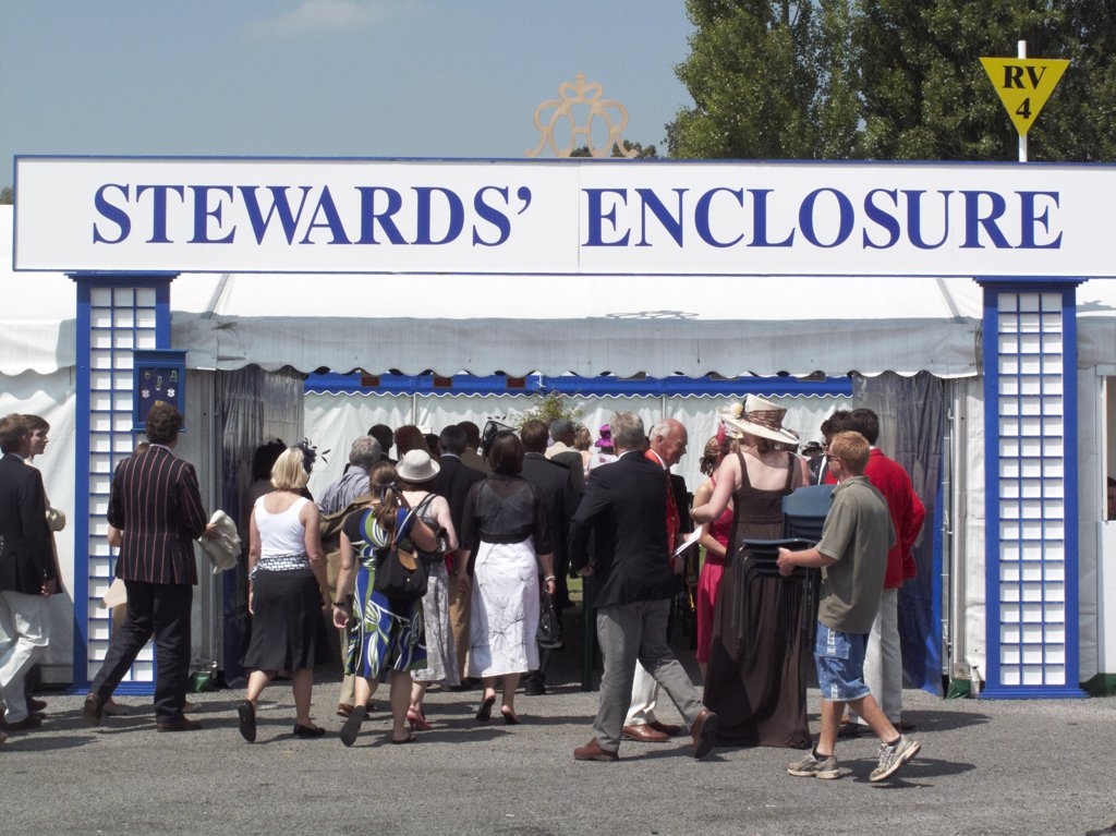Stock Photo: 4282-1469 England, Oxfordshire, Henley-on-Thames. People entering the Stewards' Enclosure at the annual Henley Royal Regatta.
