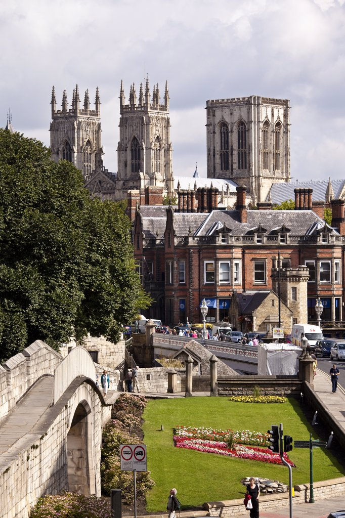 England, North Yorkshire, York. York Minster viewed from the City Walls at Station Road. : Stock Photo