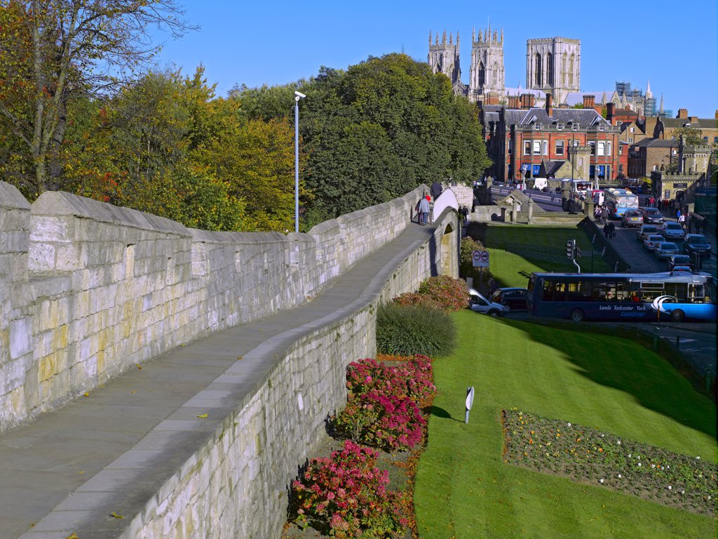 England, North Yorkshire, York. York Minster from the City Walls in autumn. : Stock Photo