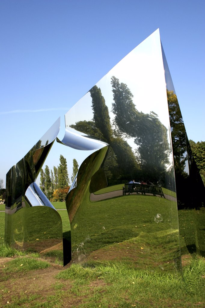 England, London, Regents Park. A reflective metal pyramid in Regents Park in London. : Stock Photo