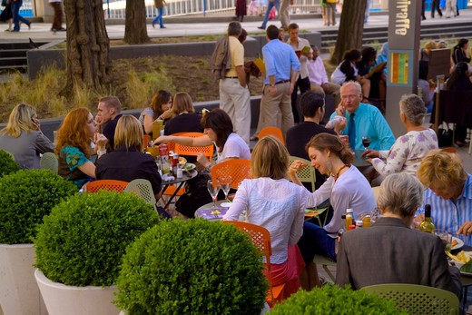 Stock Photo: 4282-20353 England, London, South Bank. People dining al fresco at Giraffe at the Southbank centre.