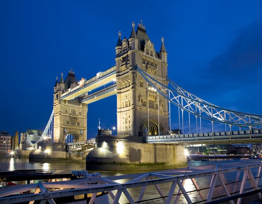 England, London, Tower Bridge. Tower Bridge, one of London's most iconic landmarks at dusk. : Stock Photo