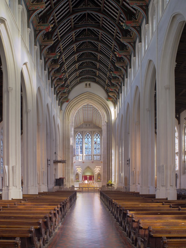 England, Suffolk, Bury St Edmunds. St Edmundsbury Cathedral nave looking towards the Altar. : Stock Photo