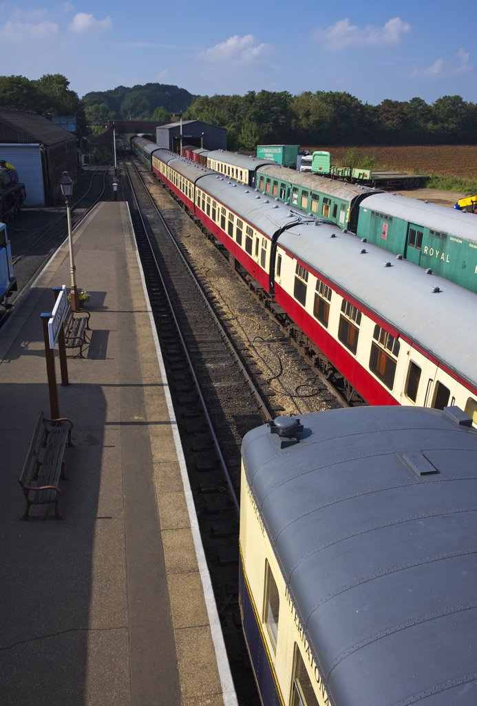 England, Cambridgeshire, Wansford. A view of trains on the platform at Wansford station. : Stock Photo