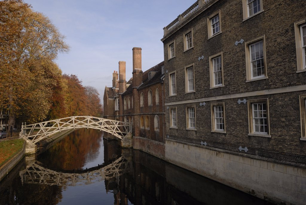 Stock Photo: 4282-2229 England, Cambridgeshire, Cambridge. The Mathematical Bridge, official name the wooden bridge, over the River Cam connecting two parts of Queen's College.