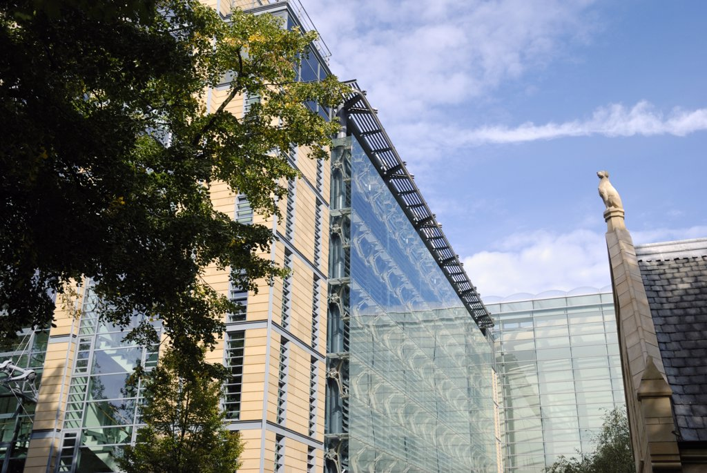 England, London, South Kensington. The new Darwin Centre at the Natural History Museum in London. : Stock Photo
