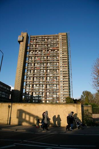 England, London, North Kensington. Trellick Tower in North Kensington. : Stock Photo