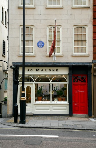 England, London, Mayfair. Exterior of 23 Brook Street which was home to Jimi Hendrix and commemorated with a blue plaque. : Stock Photo