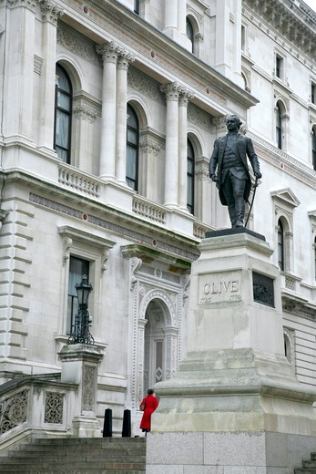 England, London, Whitehall. Statue of Robert Clive on Clive Steps in King Charles Street in Whitehall. : Stock Photo