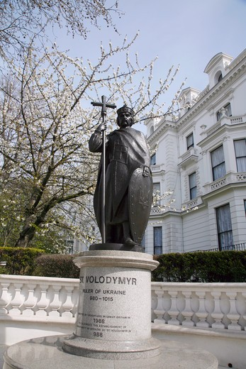 England, London, Notting Hill. Statue of St Volodymyr the ruler of Ukraine on Holland Park Avenue in Notting Hill. : Stock Photo