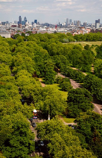 England, London, Hyde Park. Skyline view over Hyde Park to Mayfair and central London. : Stock Photo