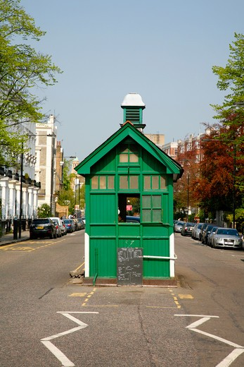 Stock Photo: 4282-24924 England, London, Notting Hill. A cabbie's shelter on Kensington Park Road.