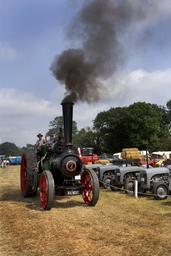 England, Hertfordshire, Whitwell. A Ransomes, Sims & Jefferies traction engine at the Whitwell Steam and Country Fair. : Stock Photo